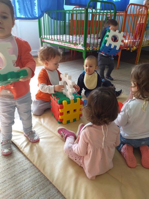Моторичке активности у млађој јасленој групи