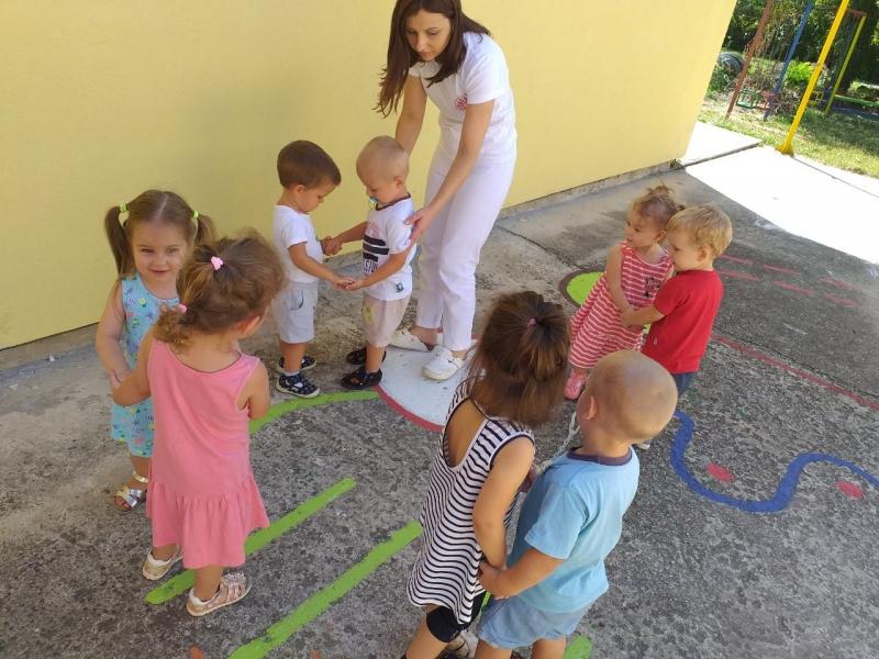Игре у дворишту вртића