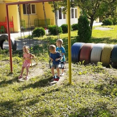 Igre u dvorištu vrtića
